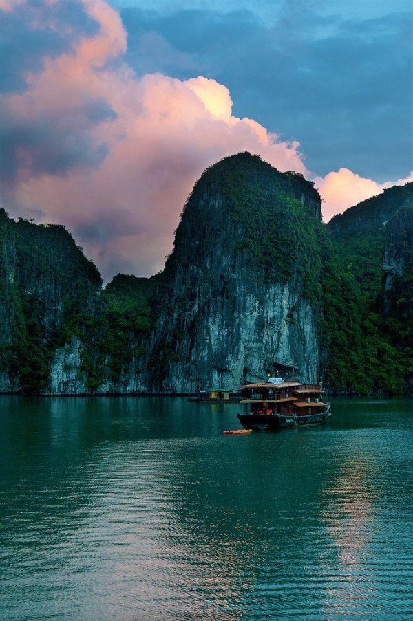 Vietnam Travel: HaLong Bay